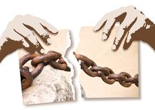 Free Breaking The Chains - Concept Image With Hands Ripping Photo Of An Old Rusty Metal Chain Royalty Free Stock Photography - 183257357