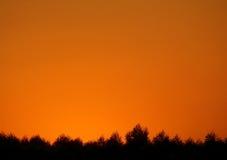 Breathtaking afterglow zmierzchu niebo nad sylwetką wieś las w Tajlandia Obraz Royalty Free