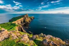 Breathtaking półmrok przy Neist punktu latarnią morską w Szkocja zdjęcia royalty free