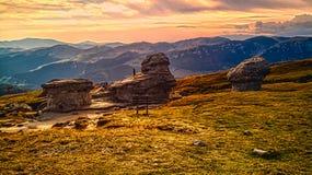 BREATHTAKING zmierzch NAD KARPACKIMI górami fotografia royalty free