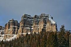 Brecciëpiek en Klippen op Togwotee-Pas tussen Dubois en Jackson in Wyoming de V.S. i stock afbeelding