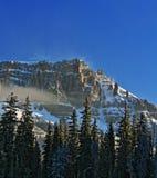 Brecciaklippor - snömist och moln som blåser av Royaltyfria Bilder