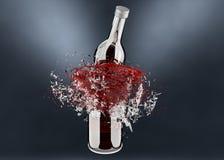 Brechen der Flasche mit rotem Spritzen Lizenzfreies Stockbild