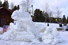 Breckenridge, Κολοράντο, ΗΠΑ: Στις 28 Ιανουαρίου 2018: Γλυπτό χιονιού σύλληψης και απελευθέρωσης Breckenridge από την ομάδα Breck Στοκ φωτογραφία με δικαίωμα ελεύθερης χρήσης