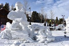 Breckenridge, Κολοράντο, ΗΠΑ: Στις 28 Ιανουαρίου 2018: Γλυπτό χιονιού σύλληψης και απελευθέρωσης από την ομάδα Breckenridge Στοκ Εικόνες