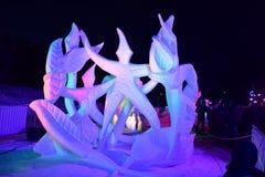 Breckenridge, Kolorado, usa: Jan 28, 2018: Drużynowy Wisconsin Vogt: ` tana Devine ` przy nocy Śnieżną rzeźbą obraz royalty free