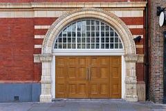 Bred dörr Arkivbilder