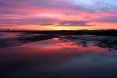 bred flodmynning 2 över soluppgång Fotografering för Bildbyråer