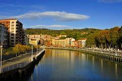 Bred flodmynning av Bilbao, i Bilbao, Spanien Arkivfoto