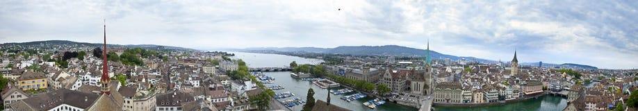 Bred panorama av zurich royaltyfri bild