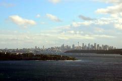 Bred panoramautsikt för Sydney Harbour havvatten Arkivfoton