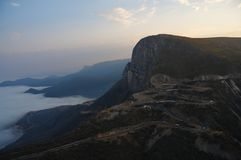 Bred sikt av den Serra da Leba vägen som ses från Lubango, Huila fotografering för bildbyråer