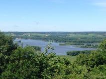 Bred sikt av Mississippiet River från Galena, Illinois Fotografering för Bildbyråer