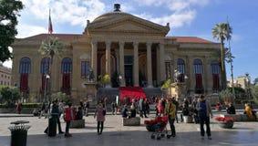 Bred sikt för Palermo teater Royaltyfria Bilder