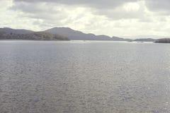Bred vidd av Loch Lomond Arkivfoton