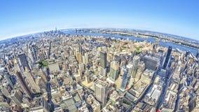Bred vinkelbild av New York Manhattan Arkivfoton