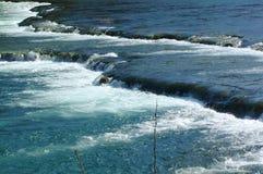 breda flodvattenfall Royaltyfria Bilder