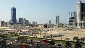 Brede en Luchtmening, Skycrapers in Manama - Bahrein, Midden-Oosten stock videobeelden