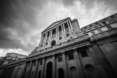 Brede hoekmening van de Bank van Engeland, Londen, het UK stock fotografie