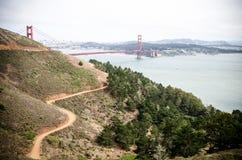 Brede hoekmening van Golden gate bridge in San Francisco zoals die van Marin Headlands wordt gezien royalty-vrije stock afbeelding