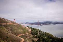 Brede hoekmening van Golden gate bridge in San Francisco zoals die van Marin Headlands wordt gezien stock fotografie