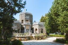 Brede mening van Iulia Hasdeu Castle Goddelijk die Oog in een driehoek wordt ingesloten stock afbeeldingen