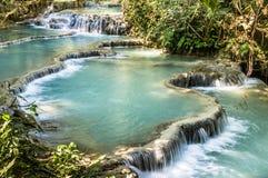 De Dalingen van Si van Kuang - Watervallen in Luang Prabang, Laos Stock Foto's