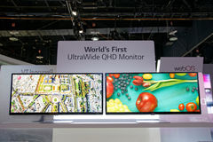 Brede QHD de Monitorvertoning CES 2014 van LG ultra Stock Fotografie