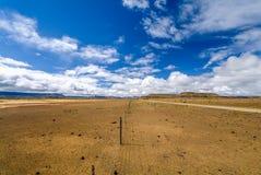 Brede uitgestrektheid van semi-desert Royalty-vrije Stock Foto's