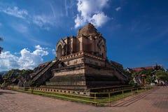 Bredere mening Wat Chedi Luang, Thailand Stock Foto's