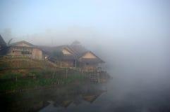 By bredvid sjön Royaltyfri Fotografi