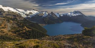 Breed Panoramisch Landschap Garibaldi Lake Coast Mountains BC Canada stock fotografie