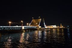 Divorce the night bridge in Saint Petersburg royalty free stock photos