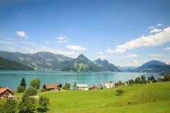 Breite Ansicht von Walensee, ein Schweizer See Stockfotografie