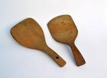 Breite flache antike hölzerne Butterpaddel Lizenzfreies Stockfoto