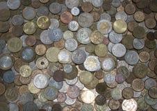 Breite Palette von verschiedenen Münzen Stockbilder