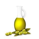 Breiten Sie sich mit Oliven und einer Flasche Olivenöl aus Lizenzfreies Stockfoto