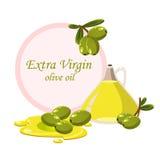 Breiten Sie sich mit Oliven und einer Flasche Olivenöl aus Lizenzfreies Stockbild