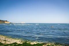 Breiter Schuss des Meeres Stockfoto