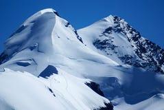 Breithornpiek in Zwitserse die Alpen van klein Matterhorn worden gezien Stock Foto's