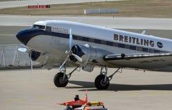 Breitling DC-3飞机在萨格勒布 库存照片