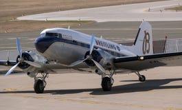 Breitling DC-3 flygplan i Zagreb Royaltyfri Bild