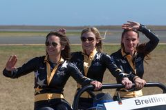 Breitling Wing Walkers Danielle Hughes, Freya Paterson et Sarah Tanner images stock