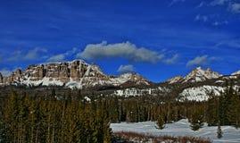 Brekcj falezy na Togwotee i szczyt Przechodzimy między Dubois i Jackson w Wyoming usa ja Obraz Stock