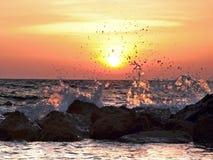 Brekende golven Royalty-vrije Stock Foto's