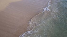 Brekende golven dicht omhoog stock videobeelden