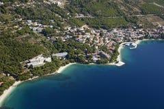 Brela auf Makarska Riviera, Vogelperspektive Lizenzfreie Stockbilder