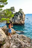 Brela-Felsen, Kroatien lizenzfreies stockfoto