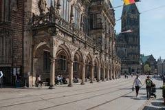 Brema, Germania, la gente che riposa nelle volte di vecchia galleria del municipio Fotografia Stock