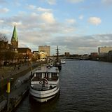 Bremen-Flussuferhafenschiff Lizenzfreies Stockbild